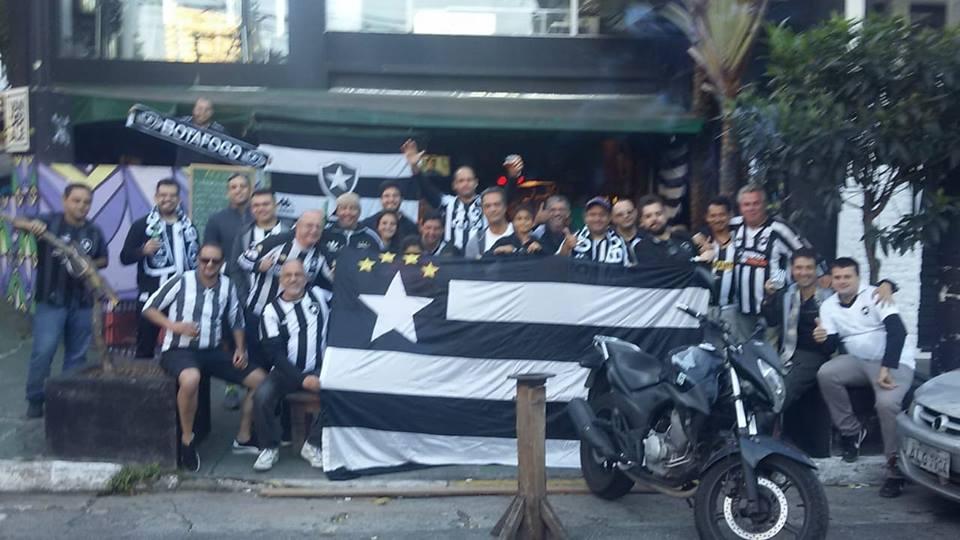 Botafogo x Vitória na Vila Madalena